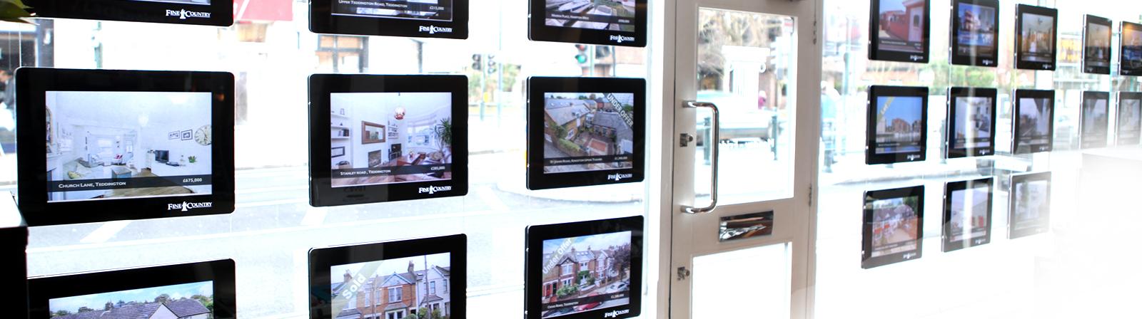 window-display-banenr_2